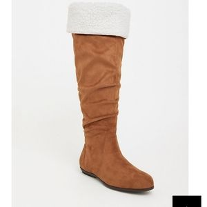 Knee high torrid boots with fur
